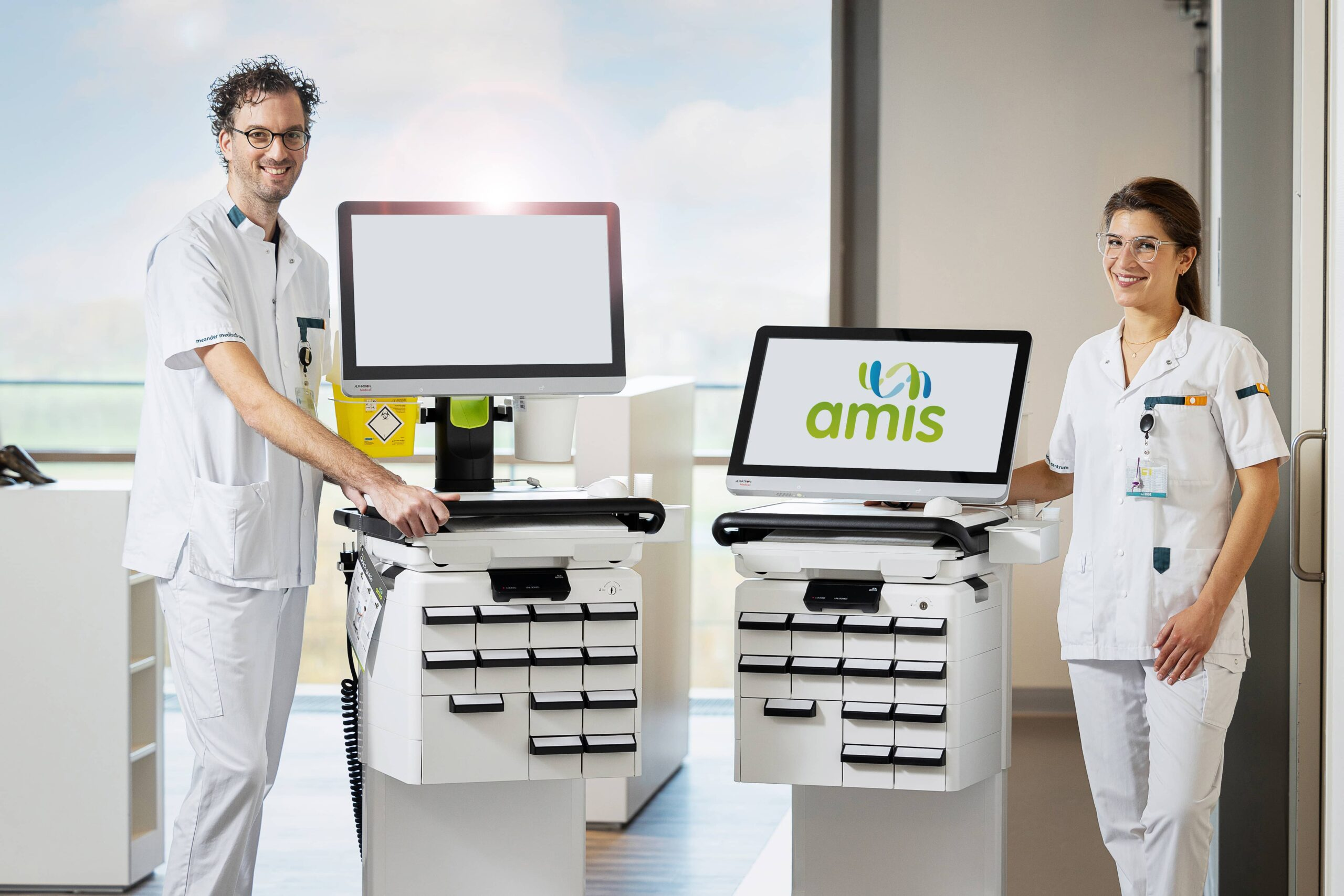 Meander Happy nurse with AMiS-PRO all in one clinical cow