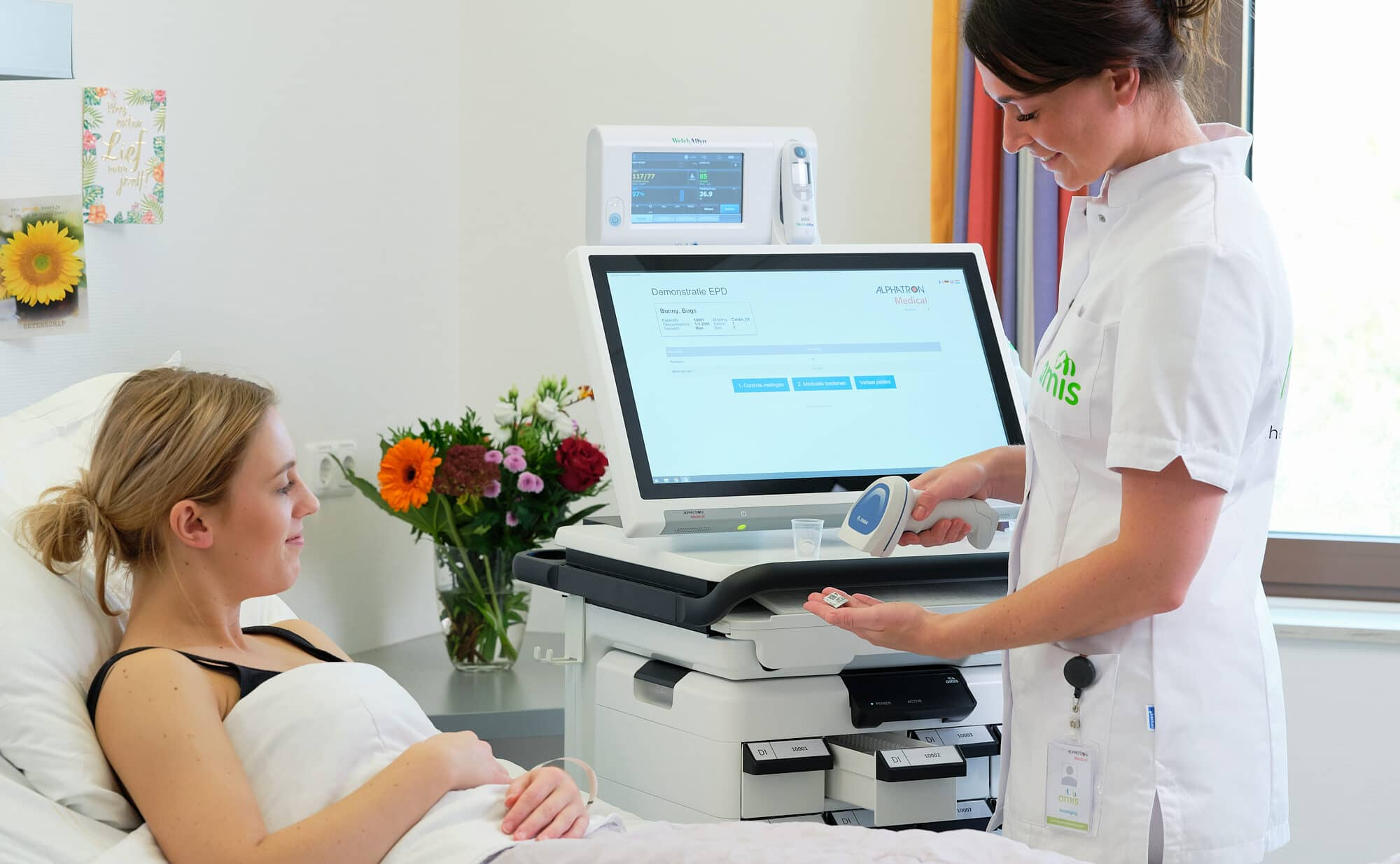 nurse medication scan patient medication dispensing device